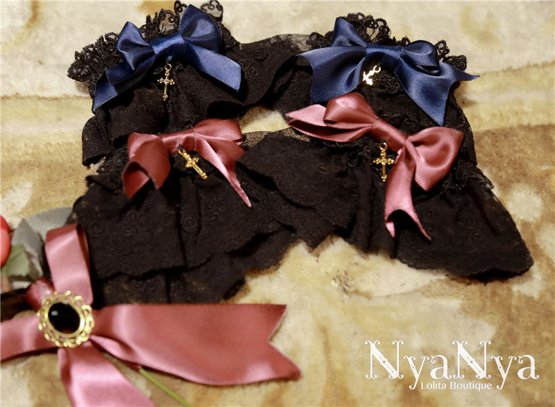 Marimi And Curie Meow Lace Cross Gothic Lolita Hand Sleeves
