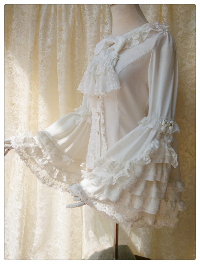 Vintage Trumpet Sleeve Gorgeous Lace Long Sleeve Lolita Blouse